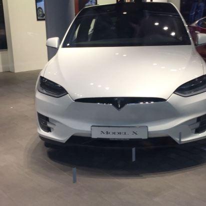 Tesla Frankfurt X