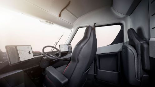 Tesla-Semi-cockpit